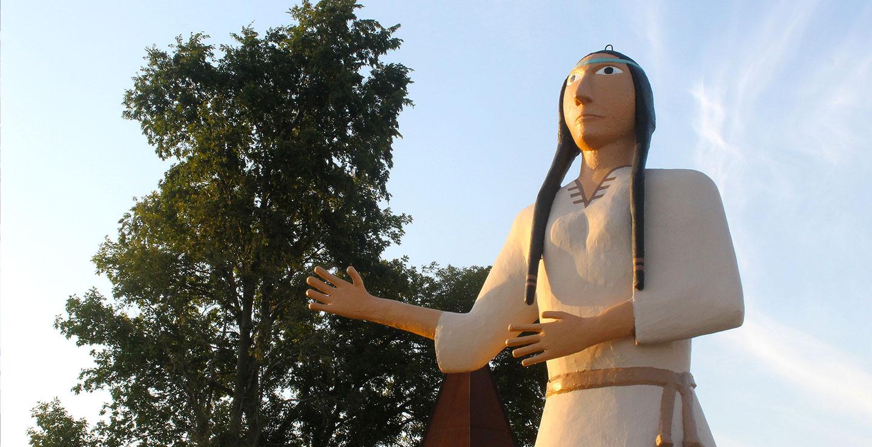 Close up of Pocahontas statue