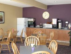 Breakfast area at Pocahontas Inn and Suites