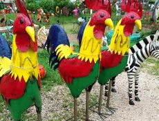 Outdoor rooster decorations