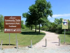 Laurens trailhead, signage and map