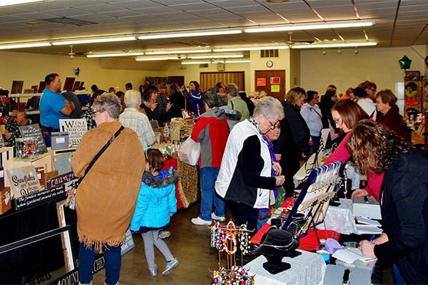 People attending the Fonda Craft Show